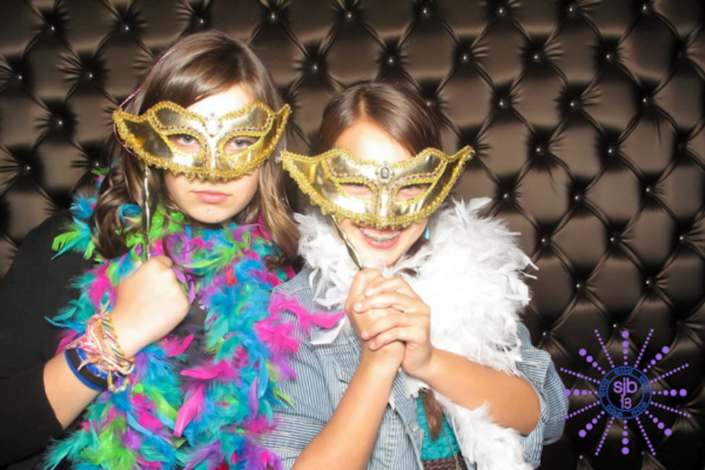 Mitzvah Youbooth - 5th Avenue Digital